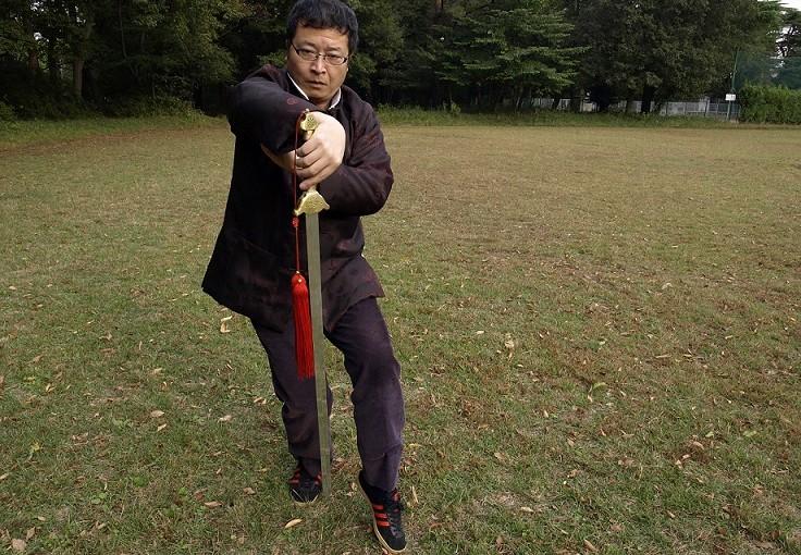 代々木公園で平和裡に剣の稽古をしたいだけなんだ。